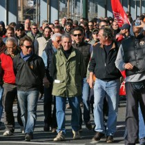 Genova in lutto, la rabbia dei camalli