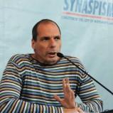 Yanis Varoufakis: «Fare l'euro è stato un errore ma ora non possiamo tornare indietro. L'unica soluzione è democratizzare l'UE»
