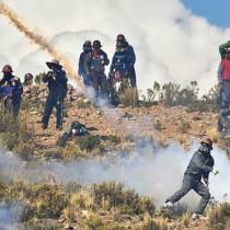 Una corrispondenza dalla Bolivia su scontro tra coop minatori e governo