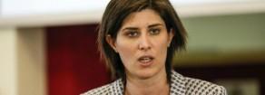 """Torino, soldi dell'acqua pubblica per risanare il bilancio. Proteste dei comitati: """"Truffa ai cittadini"""""""
