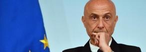 Migranti – Acerbo (Prc): «L'opposizione fa bene a Minniti. Persino uno skinhead come lui stoppa Salvini»