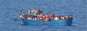 Migranti e Ong, Prc: «Minniti come Meloni e Salvini»