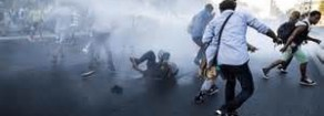 Sgombero con idranti all'alba a Roma è barbarie. Minniti, Raggi e Meloni uniti contro i rifugiati