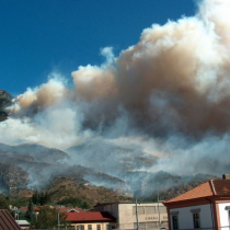 Val Susa, Ferrero e Locatelli: «Cosa aspetta il governo a impiegare l'esercito per spegnere gli incendi?»