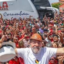 La carovana di Lula in Minas Gerais