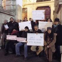 A Torino Appendino sgombera senza tetto. Per comandante vigili i poveri sono spazzatura