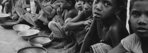 La guerra della fame che affligge i poveri del mondo