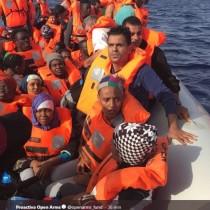 """L'Open Arms accusa: """"Italia responsabile del naufragio"""""""