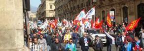 """Catania 11 marzo cronaca di una """"giornata particolare"""": il corteo dei lavoratori Sirti contro i licenziamenti"""