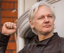Assange, il presidente dell'Ecuador si vergogni!