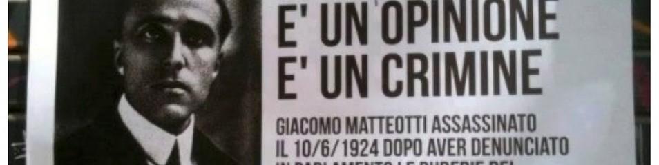 """Striscione Mussolini, Prc: """"Denunceremo i fascisti che hanno esposto quello striscione"""""""