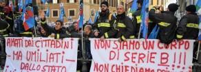 Rifondazione: I vigili del fuoco traditi dai governi. Sacrosanta protesta