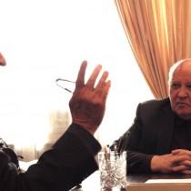 """Gorbaciov accusa gli USA: """"Cercano la supremazia militare assoluta"""""""