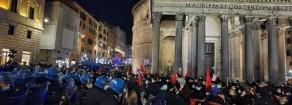 Rifondazione: manifestazione caricata e circondata a Roma