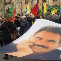 """Rifondazione Comunista in piazza per la libertà di Ocalan, il """"Mandela"""" curdo"""
