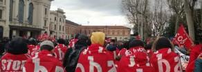 Arresti e perquisizioni della polizia in casa di 25 lavoratori della Tnt. Solidarietà del Prc ai lavoratori portati in questura e ai compagni del SiCobas agli arresti domiciliari