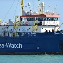 Lamorgese non ferma i soccorsi in mare ma sequestra le navi che lo fanno