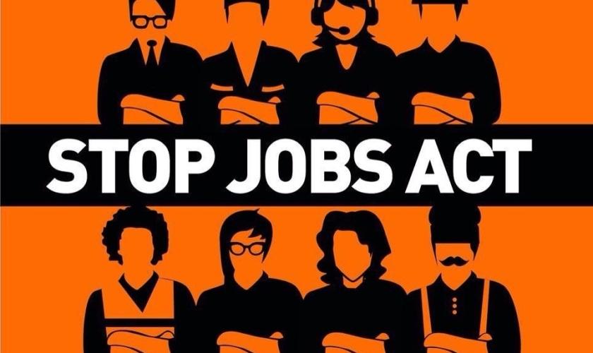 Renzi contro i giovani, con Jobs Act precari a vita