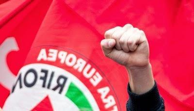 comunisti-invisibili-L-Ks2a2R
